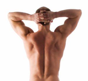 Спина мужчины без волос